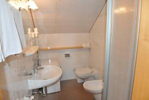 ferienwohnung-mond-badezimmer